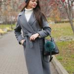 Как стильно носить и сочетать серое пальто