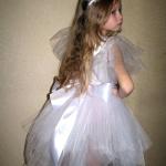 Как сделать костюм снежинки для девочки