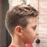 Модные стрижки для мальчика 10 лет
